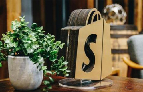 SET UP YOUR SHOPIFY STORE –  UPLOAD THE PRODUCTS